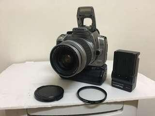 Canon 350D dslr with lens !!!