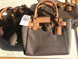 Michael Kors Medium Hamilton Messenger