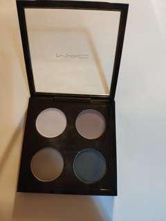 MAC Eyeshadow Palette Interior life