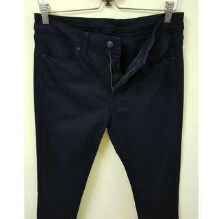 W30 Uniqlo Slim Straight Super Stretch Black Jeans. (Original)