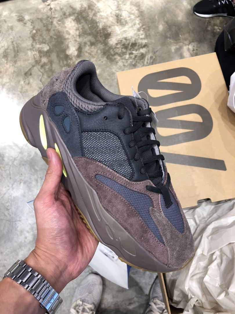 Authentic Adidas Yeezy Boost 700 Mauve