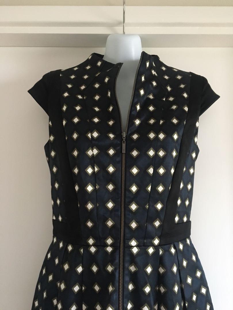 CUE Zip Front Dress Size 8