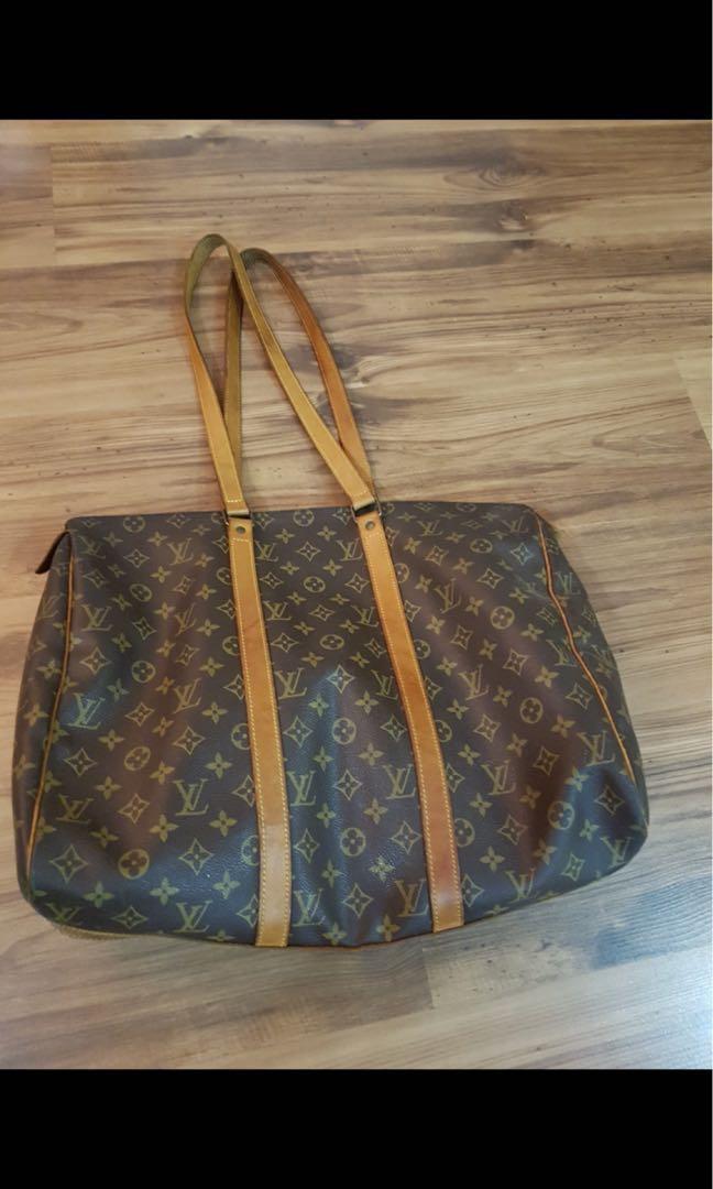 Louis Vuitton Authentic large spacious bag on sale Sale fast deal ... ddffdcc8fec57