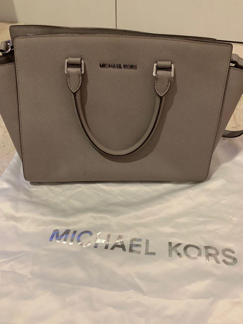 46629ec530a6 Michael Kors Selma Medium, Women's Fashion, Bags & Wallets, Handbags ...