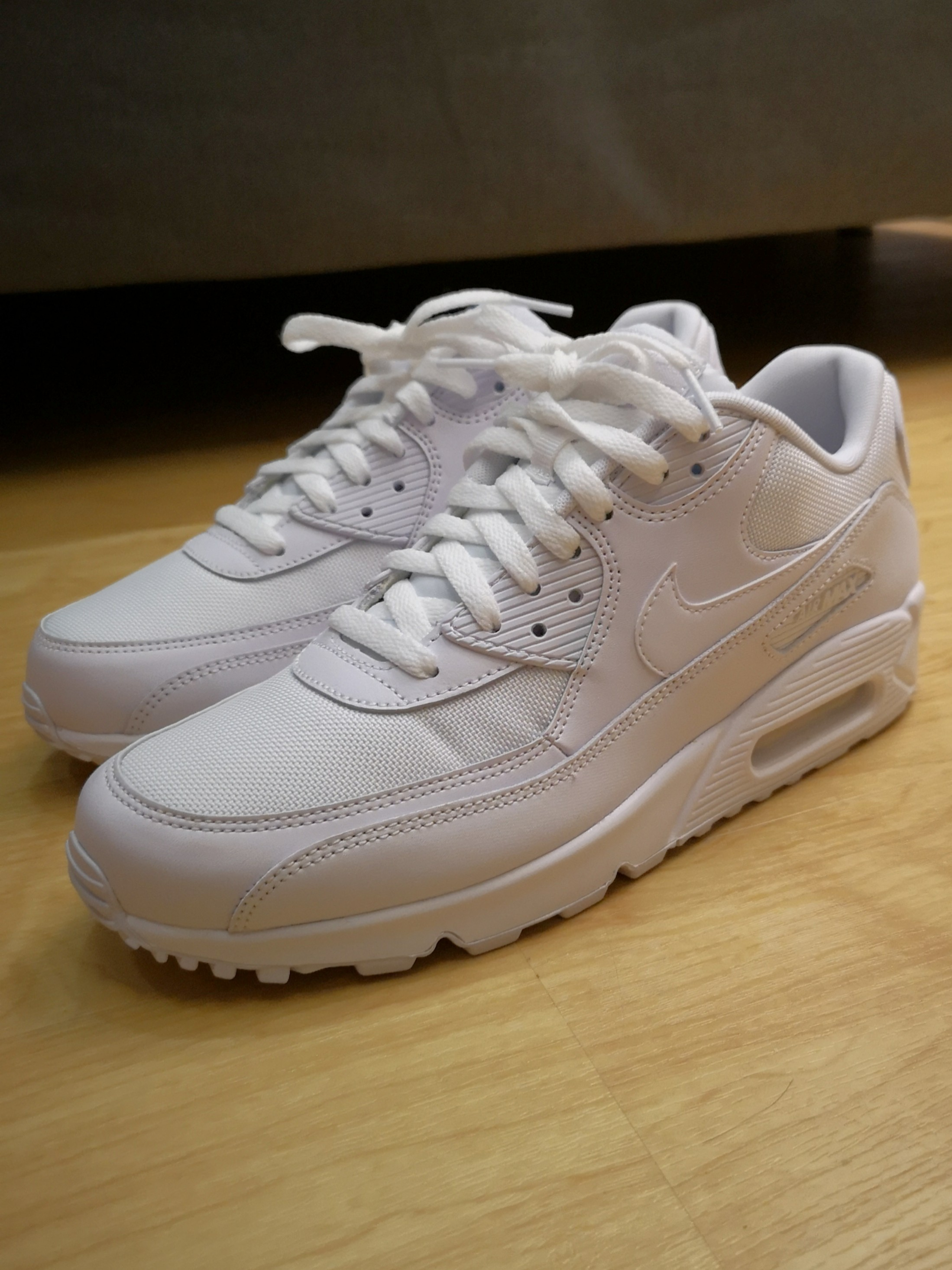 the best attitude 236ed 2792b Nike Air Max 90 Essential Size US 9 (White)