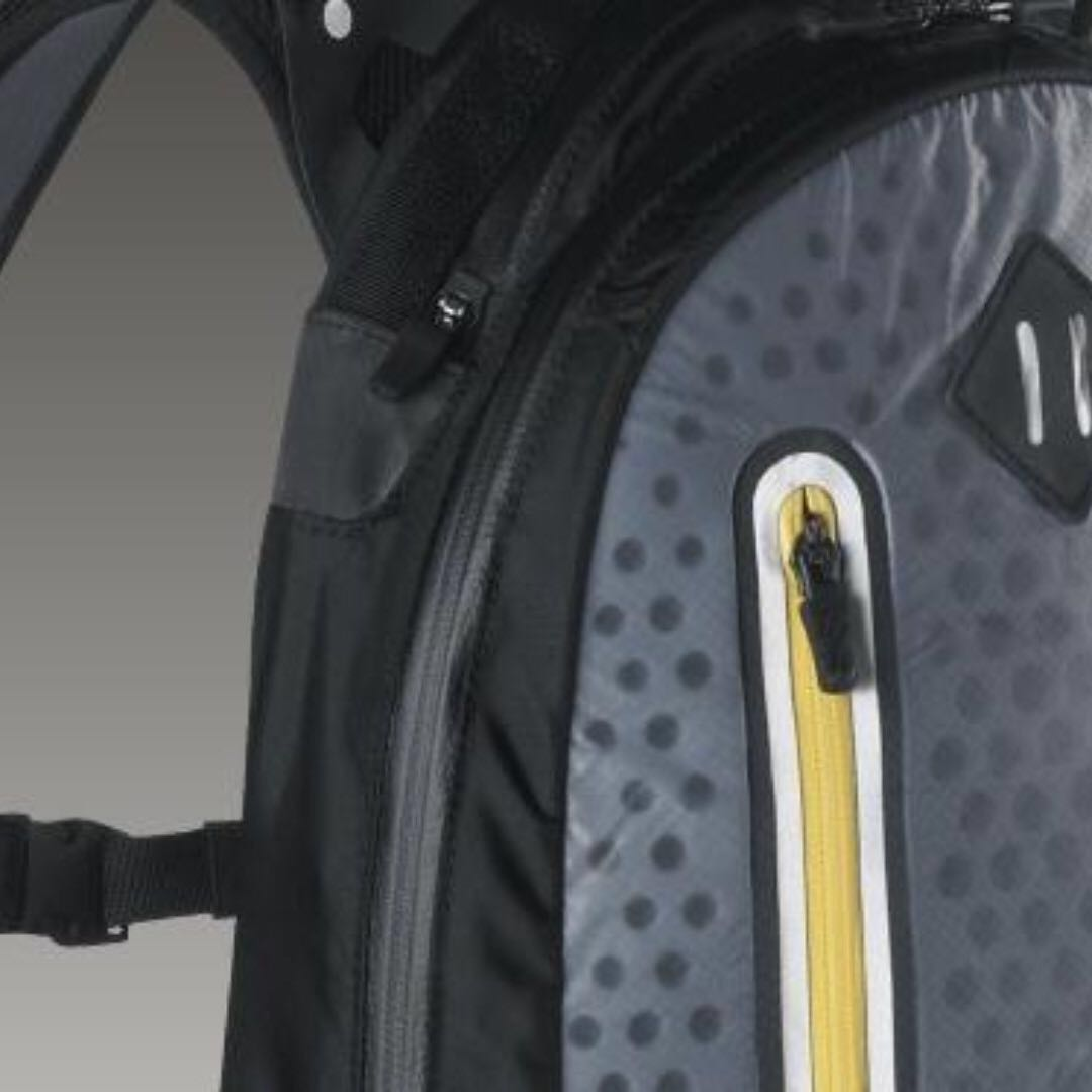 e1902d3620d2 Nike Running Backpack LIVESTRONG Cheyenne Vapor