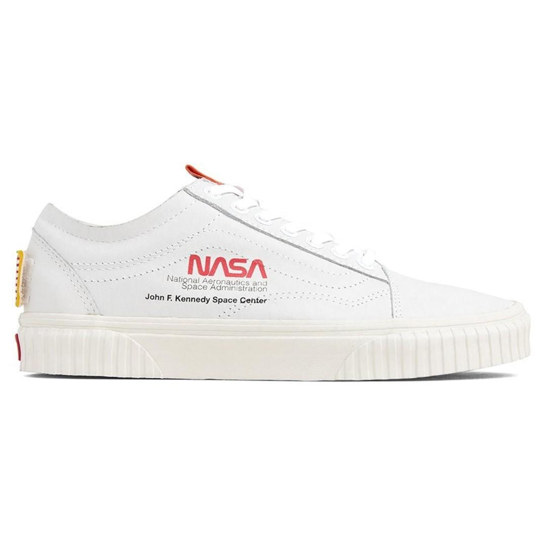 💯 IN TRANSIT  Vans Old Skool NASA Space Voyager White 5e2ad97bb