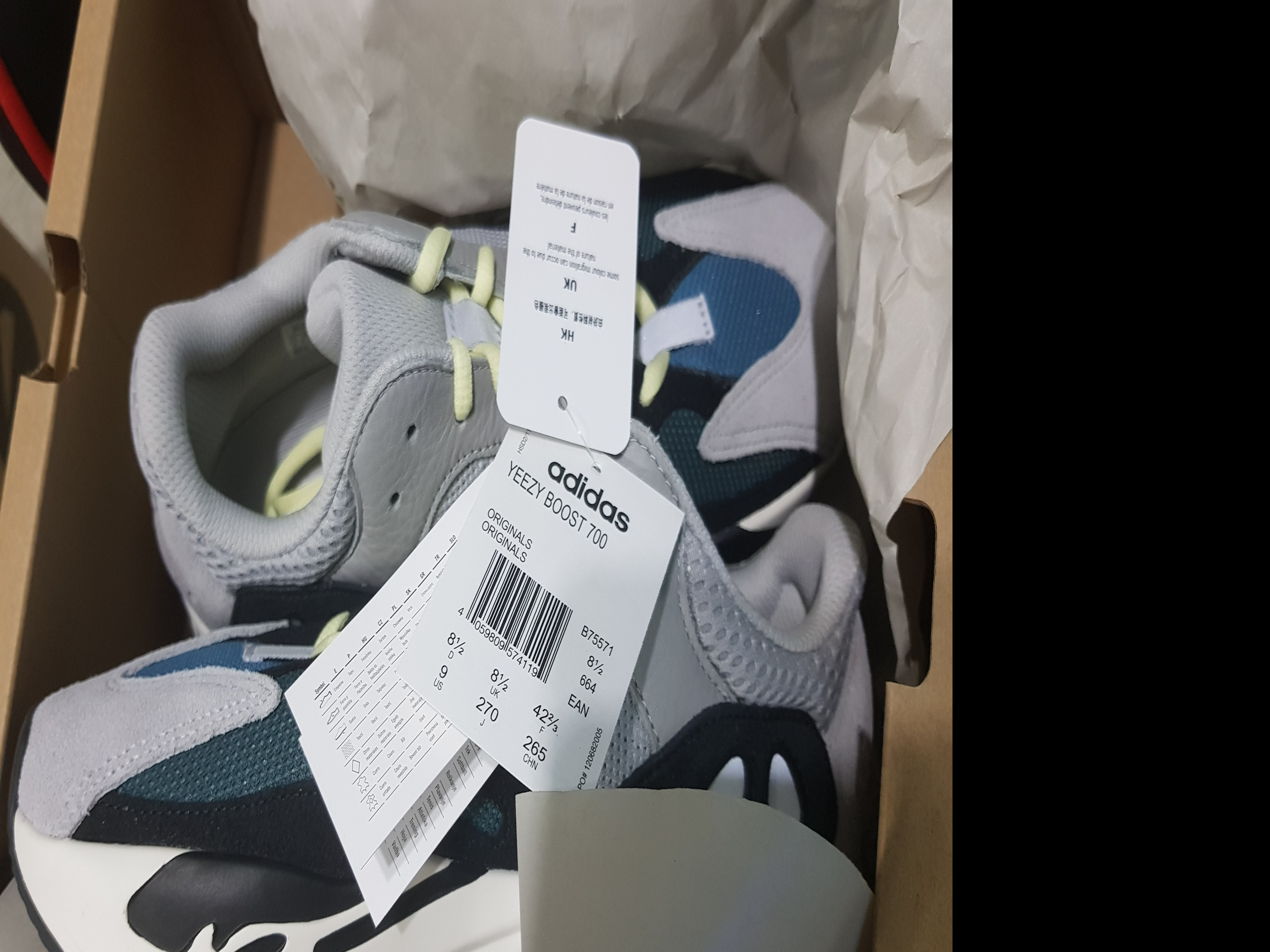 1341547f87e Selling brand new with tag Wave runner 700 yeezy US9