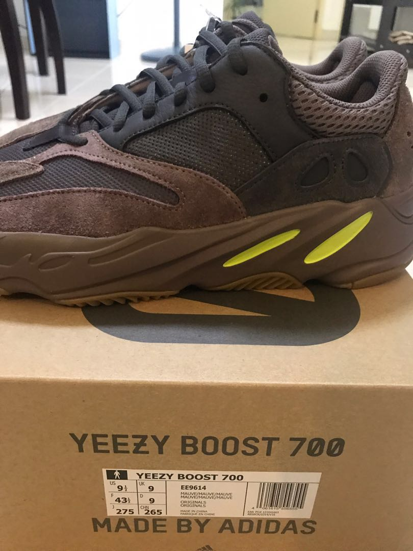 85d405898 US9.5  Adidas Yeezy 700 Mauve - STEAL