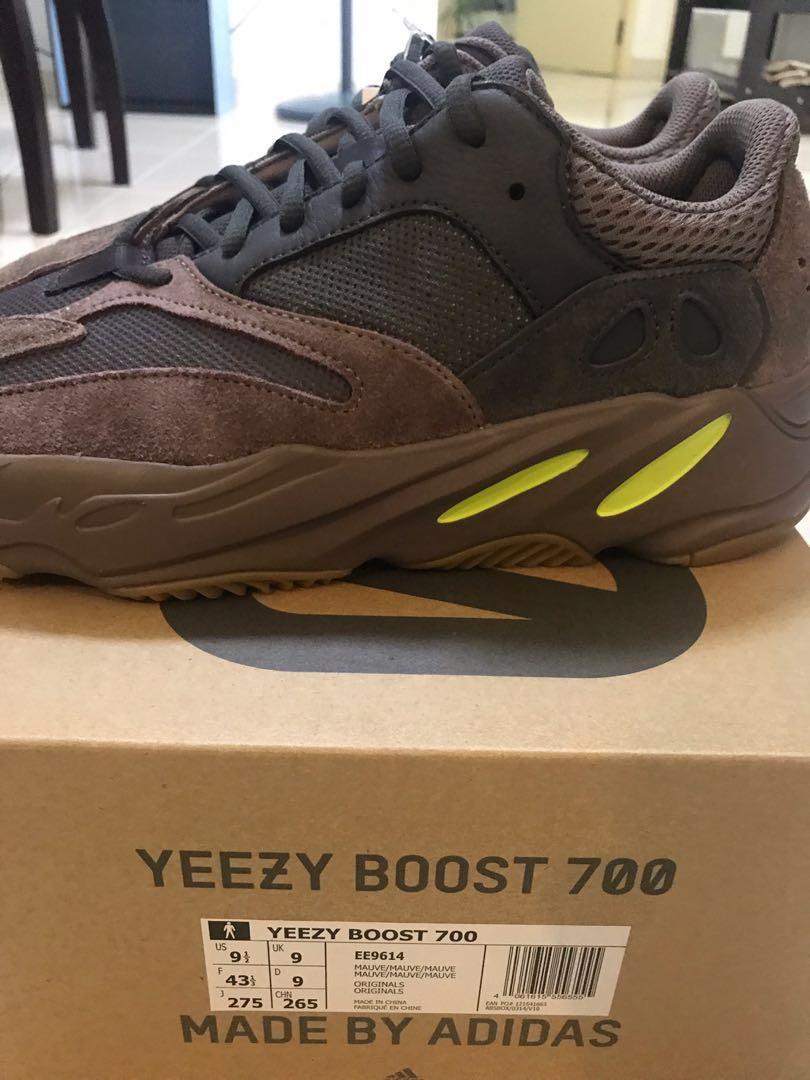 US9.5] Adidas Yeezy 700 Mauve STEAL, Men's Fashion