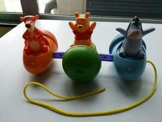 Winnie the pooh 拉 車 玩具