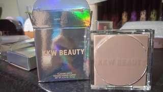 Kkw beauty - bands flashing lights pressed powder