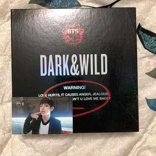 BTS Dark & Wild + Taehyung photocard