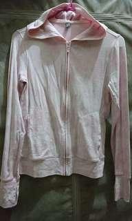 🚚 UNIQLO防曬貼心設計外套