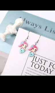 🚚 Korean minimalist mermaid earrings