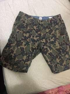 Gap迷彩短褲 31腰