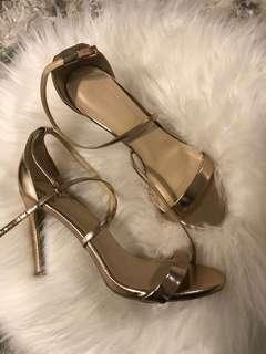Gold heels sz8.5
