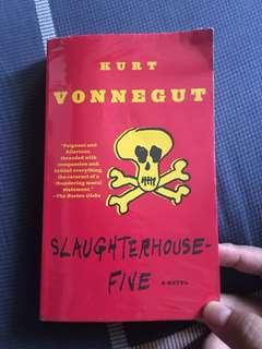 Kury Vonnegut - Slaughterhouse Fivr