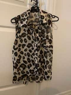 Leopard sleeveless shirt