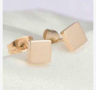 Anting Titanium Minimalist Square Simple