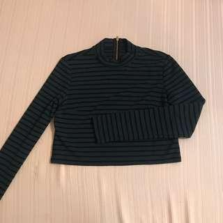 FOREVER 21 LONGSLEEVES STRIPES MOVK TURTLENECK CROP TOP