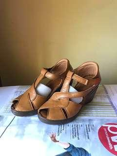 36-37 Kickers Wedges