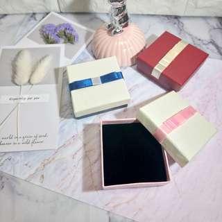 3色歐式簡約緞帶蝴蝶結方型飾品盒/戒指盒/首飾收納盒/耳環/戒指小禮盒/包裝盒/珠寶盒/紙盒
