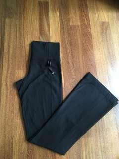 Size 4/XS lululemon yoga workout pant
