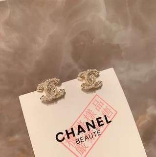 Chanel 雙C珍珠耳環