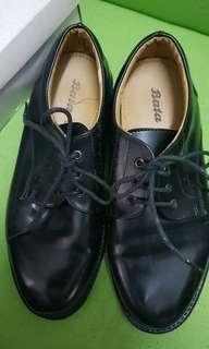 Bata size 5 formal shoes