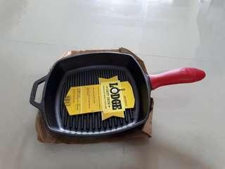 """lodge cast iron square grill skillet 10.5"""" (silicone handle included)"""