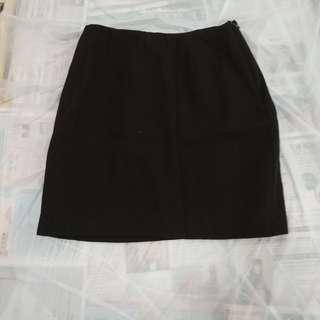 厚身黑色女裝短裙