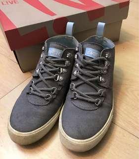 🚚 Lacoste live bruton 麂皮鞋