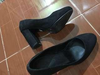 Aldo Shoes / Suede Type