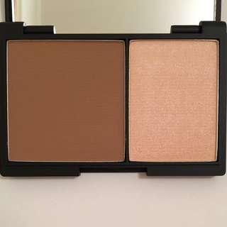 Sleek contour kit (shade light)