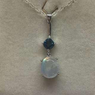 🚚 Rainbow Moonstone Topaz Pendant in 924 Sterling Silver