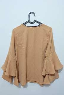 REPRICE Simple ruffle blouse (klamby and vanilla hijab look)