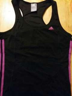Adidas 運動背心. Black colour.  Size L.