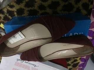 Sepatu/ flat shoes maroon