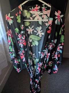 Lds B Collection Kimono night gown NWOT