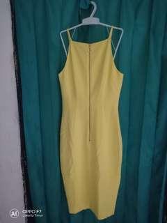 #H&M dress yellow