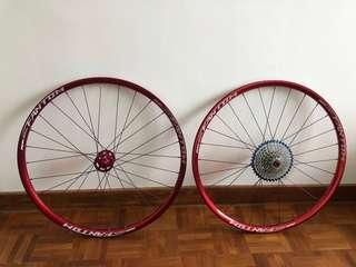 Funn Fantom 650B wheelset for sale. Pristine condition. A under used wheelset. Non-Boost