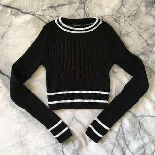 Black and white crop sweater XS