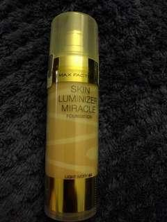 Max Factor skin luminizer miracle foundation light ivory 40