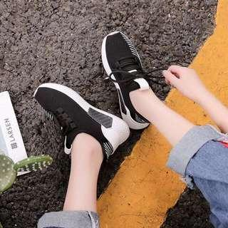 Black rubber shoes / white rubber shoes / black sneakers / white sneakers / adidas NMD