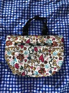 🚚 LeSportsac Bag