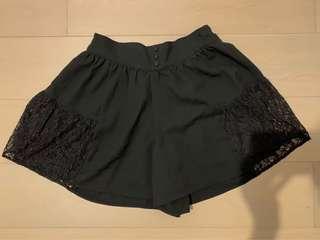 Lowrys Farm 黑色雪紡lace短裙褲