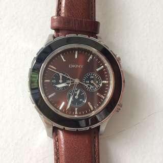 DKNY Men's Chronograph Dial Brown Leather Watch jam kulit pria merk branded murah