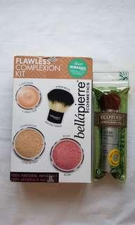 Set of Flawless Complexion Kit & Kabuki brush