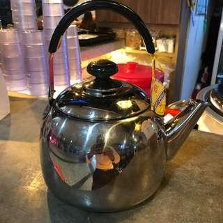 Small stainless steel kettles